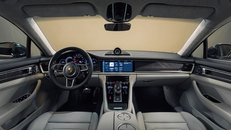 Porsche Panamera Turbo, sedan, interior (horizontal)