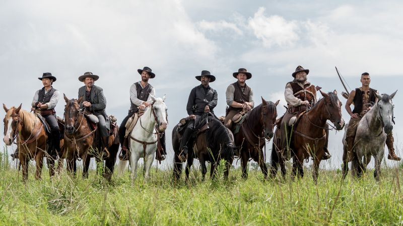The Magnificent Seven, Denzel Washington, Chris Pratt, Ethan Hawke (horizontal)