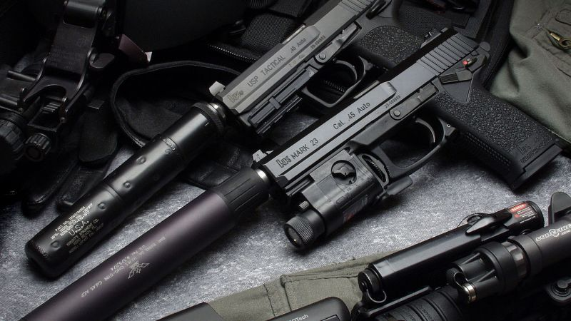 Heckler & Koch, mark 23, pistol, silencer (horizontal)