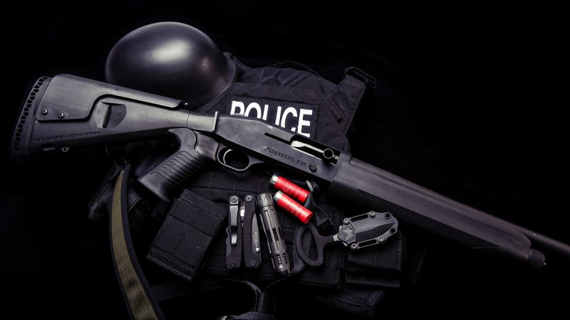 Mossberg 930, shotgun, police, knife, uniform, Ammunition (horizontal)