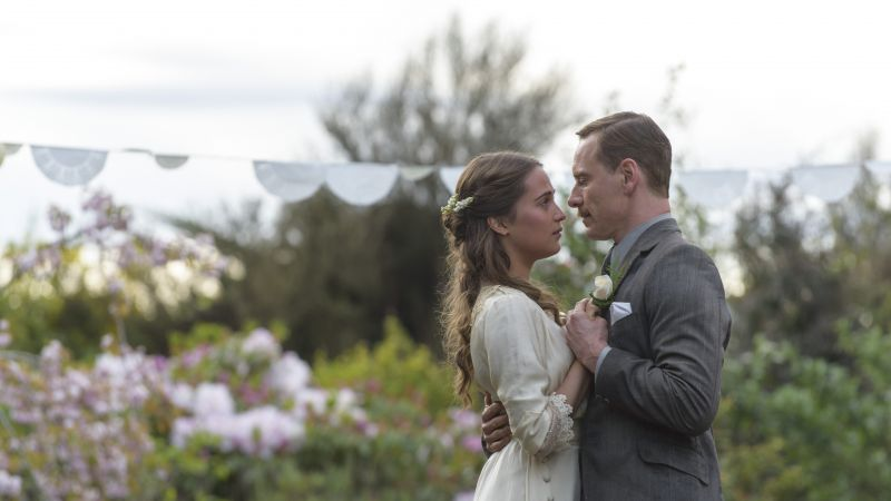 The Light Between Oceans, Michael Fassbender, Alicia Vikander (horizontal)