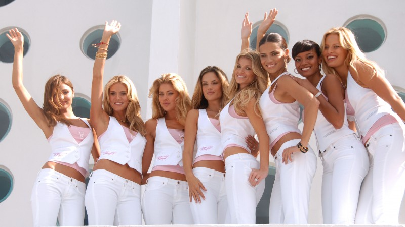 Miranda Kerr, Heidi Klum, Doutzen Kroes, model, Victoria's Secret Angel, white, suit, group photo, smile, model (horizontal)