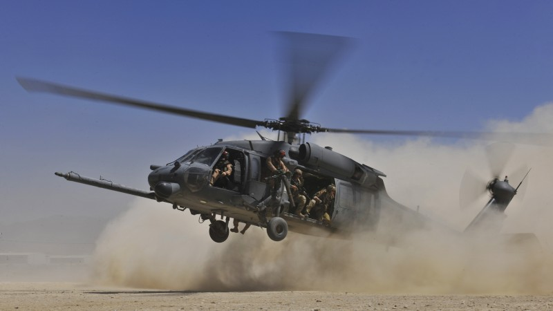 MH-60G, Sikorsky, HH-60G, Pave Hawk, combat search, rescue helicopter, MEDEVAC, USA Army, landing, dust (horizontal)