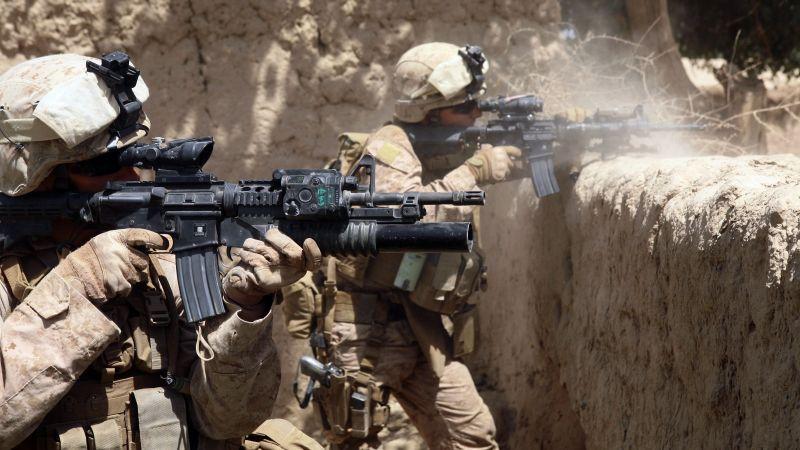 AR-15, M-16, red sight, U.S. Army, Marine Corps ...