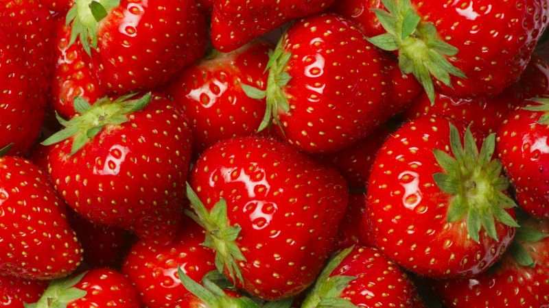 strawberry, 8k (horizontal)