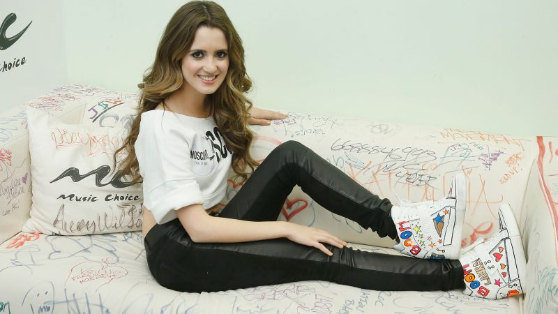 Laura Marano, beauty, brunette, 8k (horizontal)