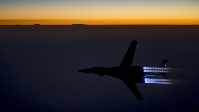 B-1, Lancer, supersonic, strategic bomber, Rockwell, U.S. Air Force, Boeing, sunset (horizontal)