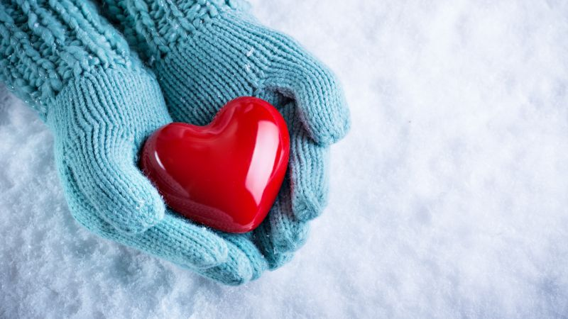 love image, hand, snow, heart, 4k (horizontal)
