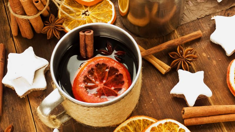 mulled wine, orange, cinnamon, cookies, 4k (horizontal)