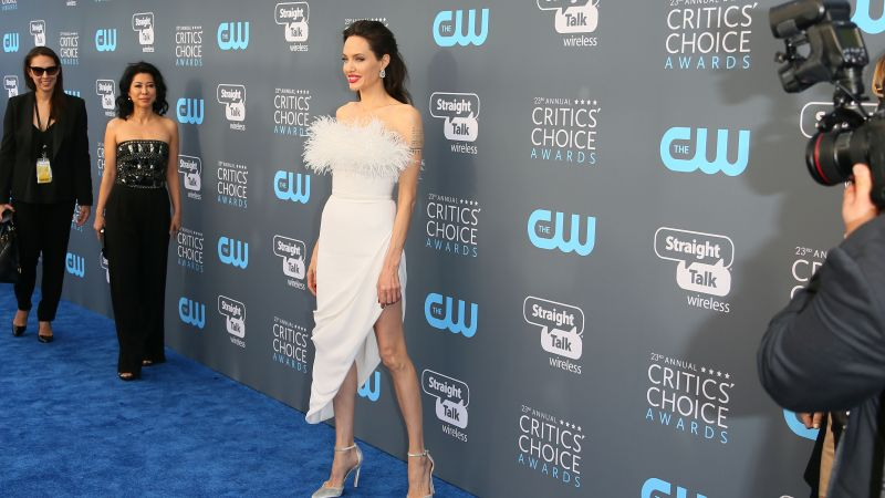 Angelina Jolie, dress, Critics' Choice Awards 2018, brunette, 4k (horizontal)