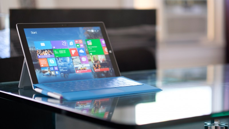 Microsoft Surface Pro 3, tablet, Gen 3, laplet, Intel, table, blue, interface, review (horizontal)