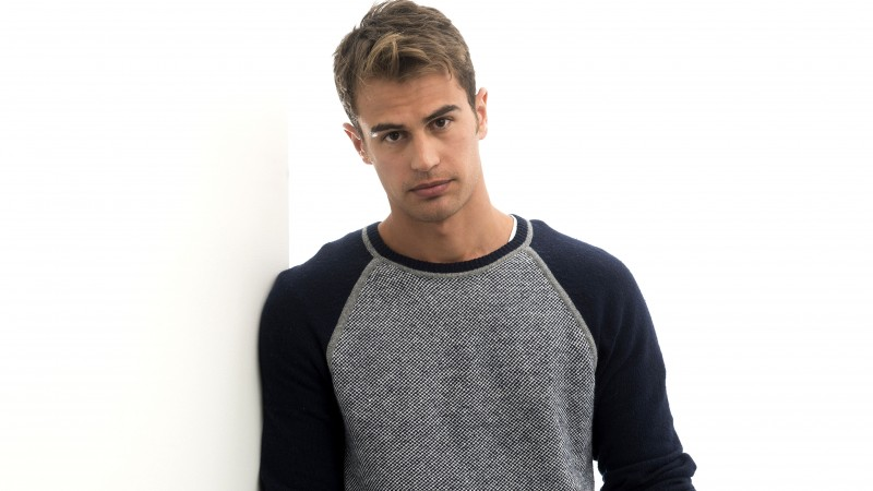 Theo James, Most Popular Celebs in 2015, actor, Divergent, Insurgent (horizontal)