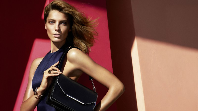 Daria Werbowy, Top Fashion Models 2015, model, blonde, dress, bag (horizontal)