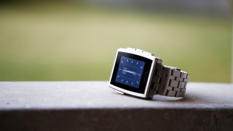 Pebble Steel Smartwatch, limited edition, watches, Pebble, black, silver, e-paper, display, review (horizontal)