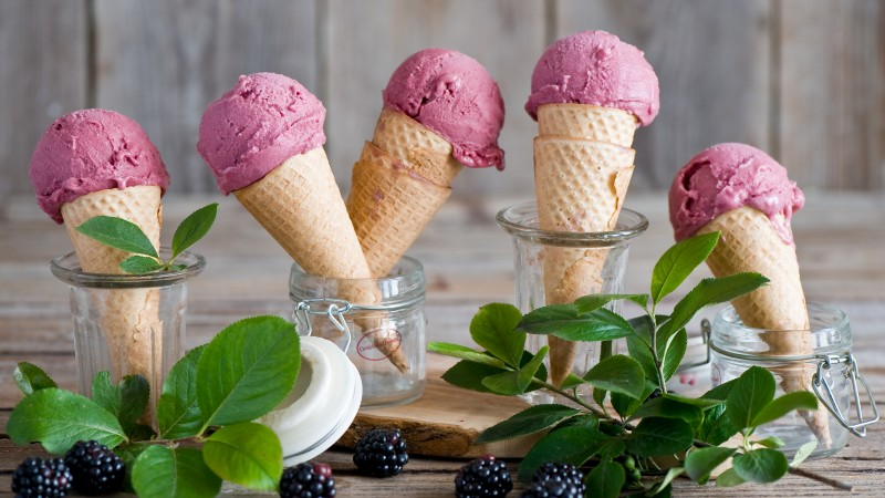 ice cream, blackberry, leaves, food, fruit, summer. (horizontal)