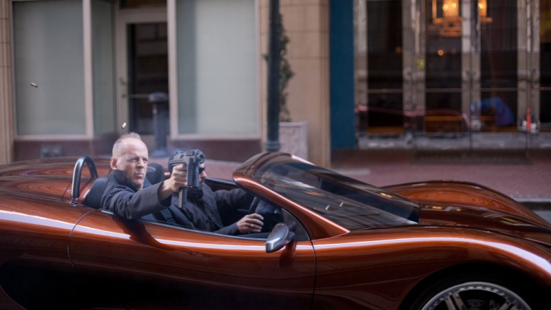 Bruce Willis, Looper, Most Popular Celebs in 2015, actor, car, gun (horizontal)