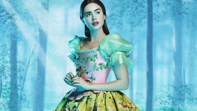 Lily Collins, Mirror Mirror, Most Popular Celebs in 2015, actress, brunette, dress (horizontal)