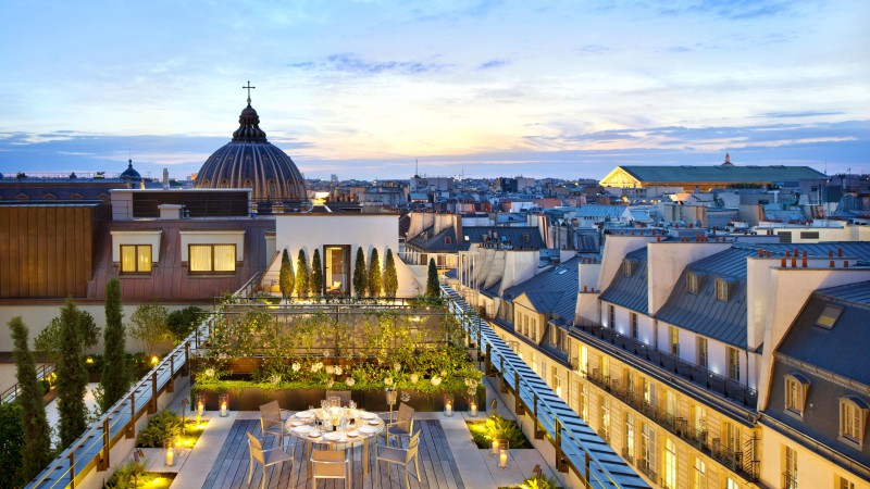 Royal Mandarin Suite, Paris, cafe, twilight, afternoon, hotel (horizontal)