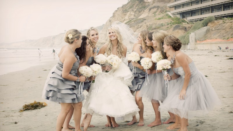 Carrie Underwood, Most Popular Celebs in 2015, actress, singer, blonde, smile, wedding, dress (horizontal)
