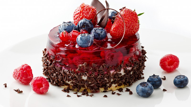 Cake, berries, strawberry, raspberry, blueberry, chocolate (horizontal)