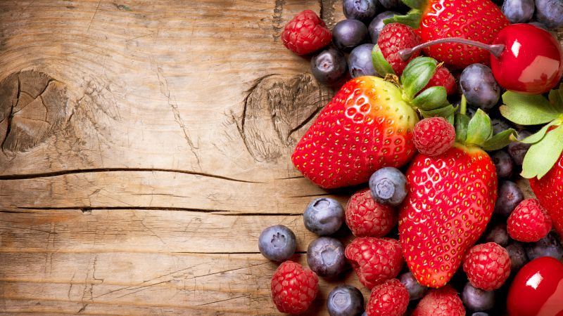 Berries, fruits, strawberry, raspberry, blueberry (horizontal)