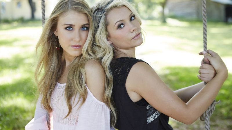 Maddie & Tae, Top music artist and bands, singer, country, blonde (horizontal)