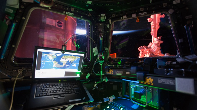 Photo of the Day, ISS-42/43, Cupol, space ship, laptop, track (horizontal)