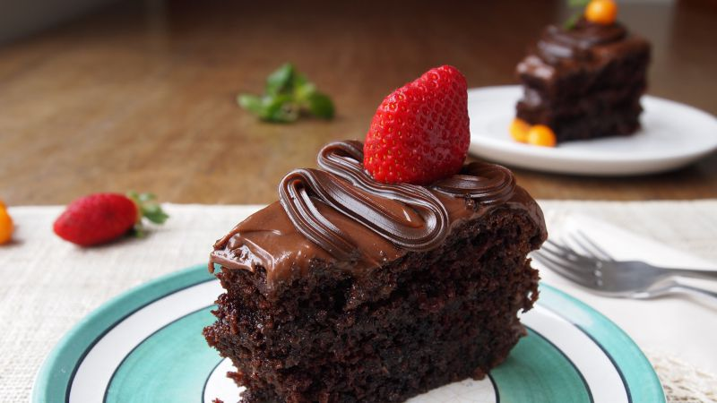 Cake, chocolate, strawberry (horizontal)