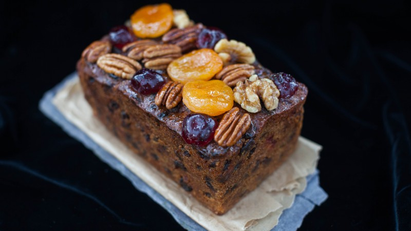 Loaf cakes, Christmas Cakes, holiday cookies, caramelized fruit, dried apricots, walnuts, raisin (horizontal)