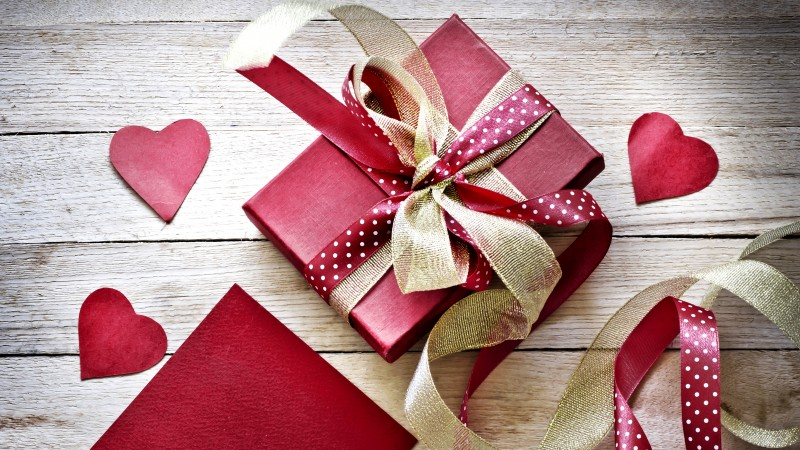 Valentine's Day, love, hearts, gift, ribbon (horizontal)