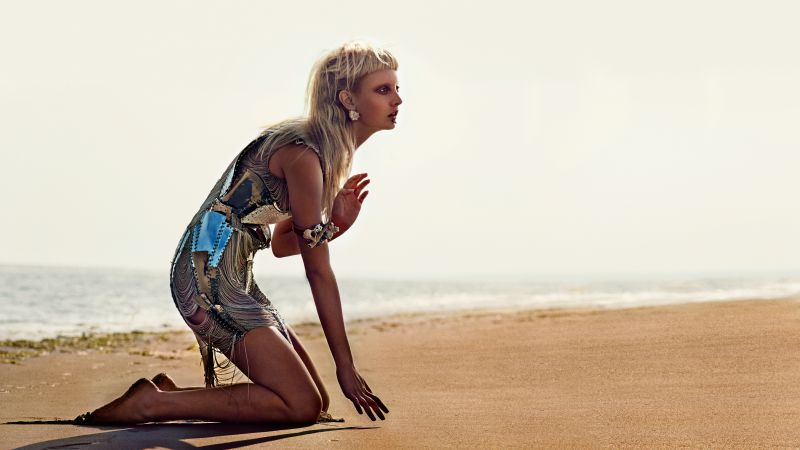 Codie Young, Top Fashion Models, model, blonde, beach (horizontal)