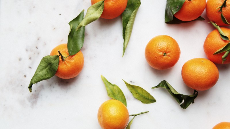 tangerines, leaves, background (horizontal)