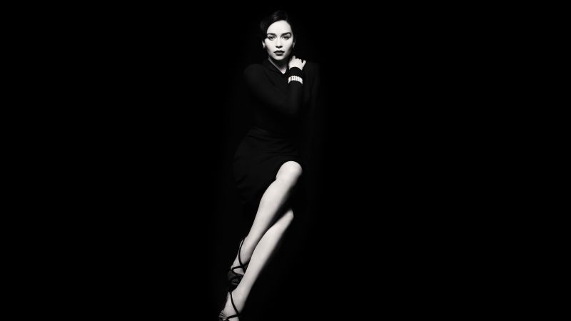 Emilia Clarke, Most Popular Celebs, actress, little black dress (horizontal)