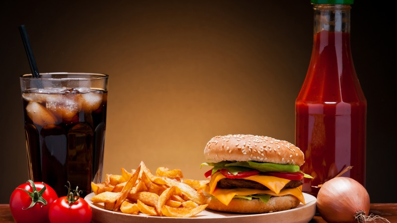 cheeseburger, fast food, french fries, cheese, steak, coca-cola, ice, ketchup, onion, cherry tomatoes (horizontal)