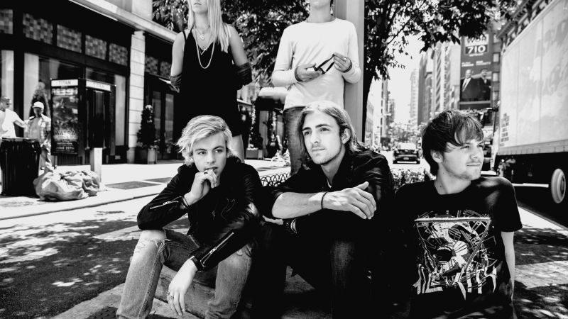 R5, Top music artist and bands, Ross Lynch, Riker Lynch, Rocky Lynch, Rydel Lynch, Ellington Ratliff (horizontal)