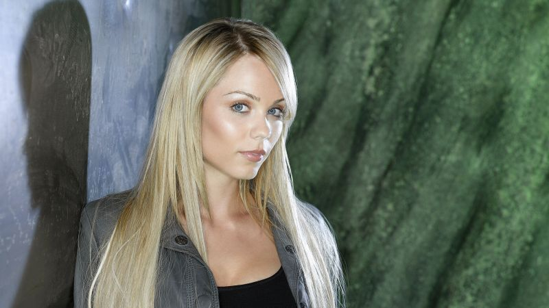 Laura Vandervoort, Most Popular Celebs, actress, blonde (horizontal)
