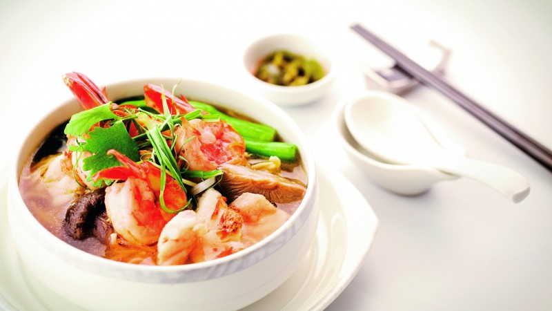 seafood soup, shrimp, scallops, mushrooms, tomato sauce, greens (horizontal)