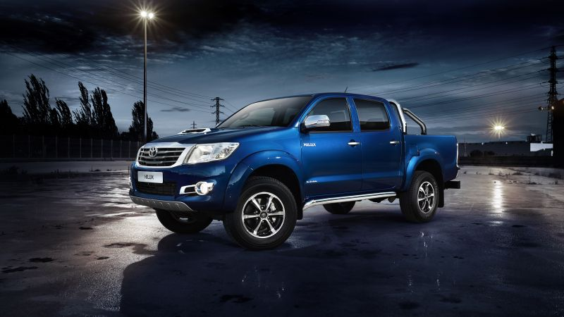 Toyota Hilux Invincible, Pickup, review, buy, rent, test drive (horizontal)