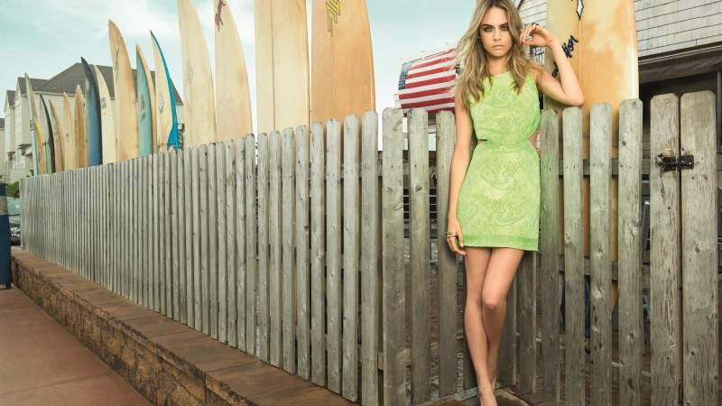 Cara Delevingne, model, green, dress, street (horizontal)