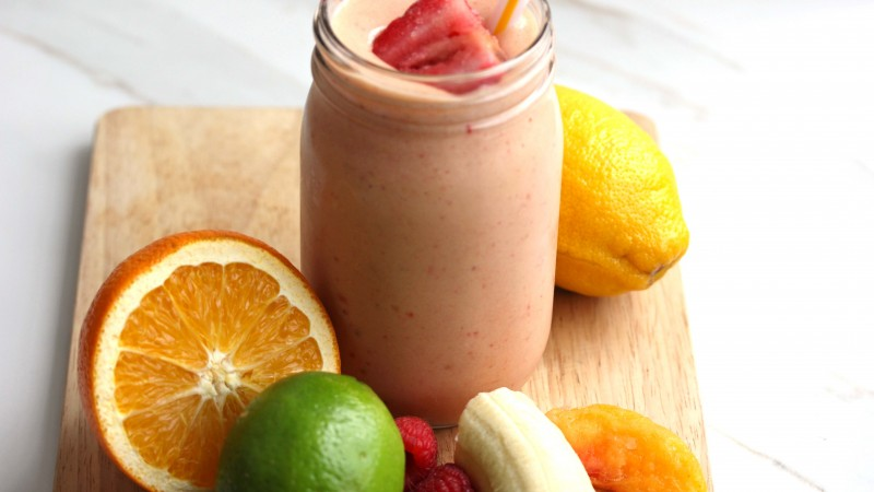smoothies, fruit, lime, lemon, strawberry, banana, orange, bank,  (horizontal)