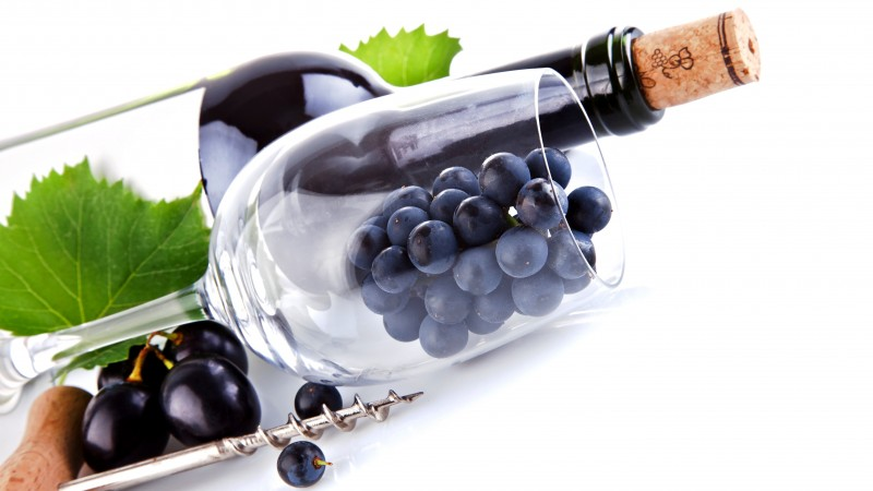 wine, grapes, red, wine glass, a corkscrew, leaves (horizontal)