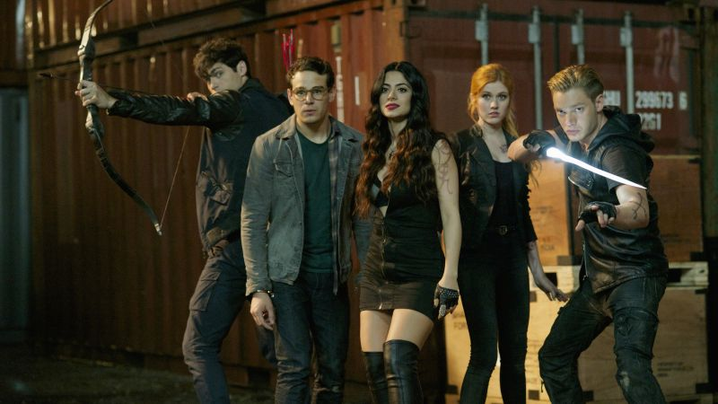 Shadowhunters, Katherine McNamara, Dominic Sherwood, Best TV series (horizontal)