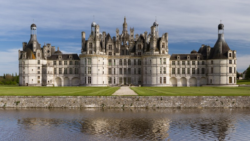 Chambord, France, Loir-et-Cher Chambord, Chateau, Castle, travel, vacation, lake, sea, water, green grass, landscape (horizontal)