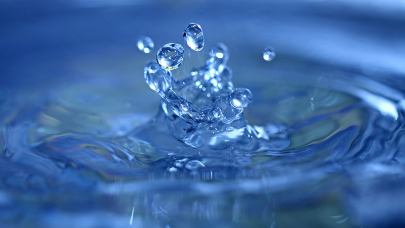 water, 4k, 5k wallpaper, splash, drops, close-up, macro, blue (horizontal)