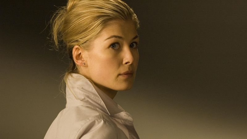 Rosamund Pike, gone Die Another Day, dress, black and white (horizontal)