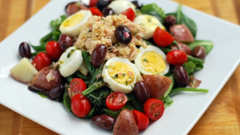 asparagus, potatoes, olives, chicken, eggs, cherry tomatoes, spinach, cooking, recipe (horizontal)