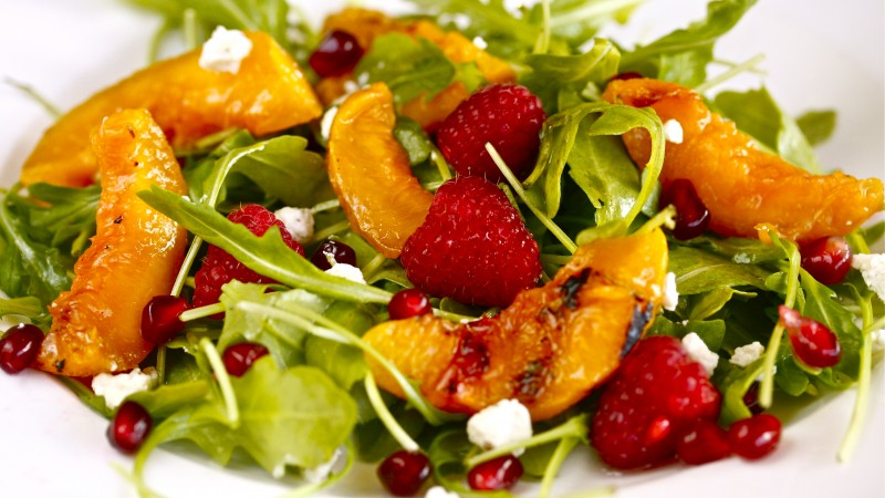 arugula, pomegranates, raspberries, nectarines caramelized, recipe, cooking (horizontal)