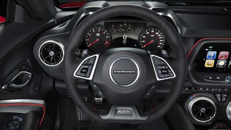 Chevrolet Camaro ZL1, NYIAS 2016, interior (horizontal)