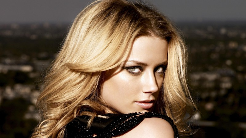 Amber Heard, Actress, blonde, look, portrait (horizontal)