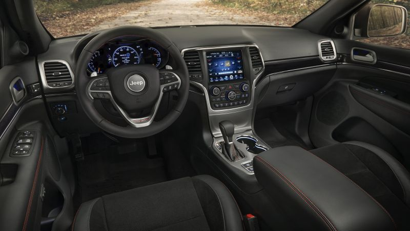 Jeep Grand Cherokee Trailhawk, NYIAS 2016, interior (horizontal)